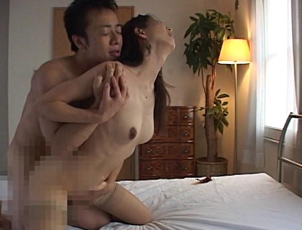 昭和の熟女背徳劇場 愛欲に飢えた淫らな情事4時間