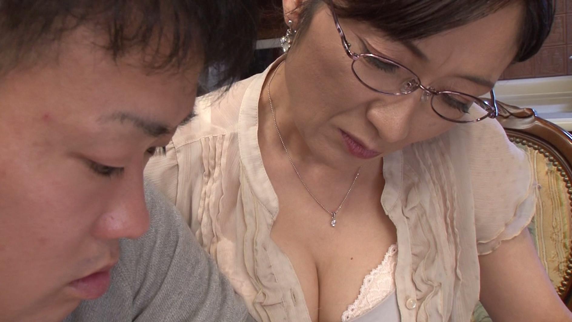 おばさん家庭教師が息子さんの童貞を卒業させてあげます