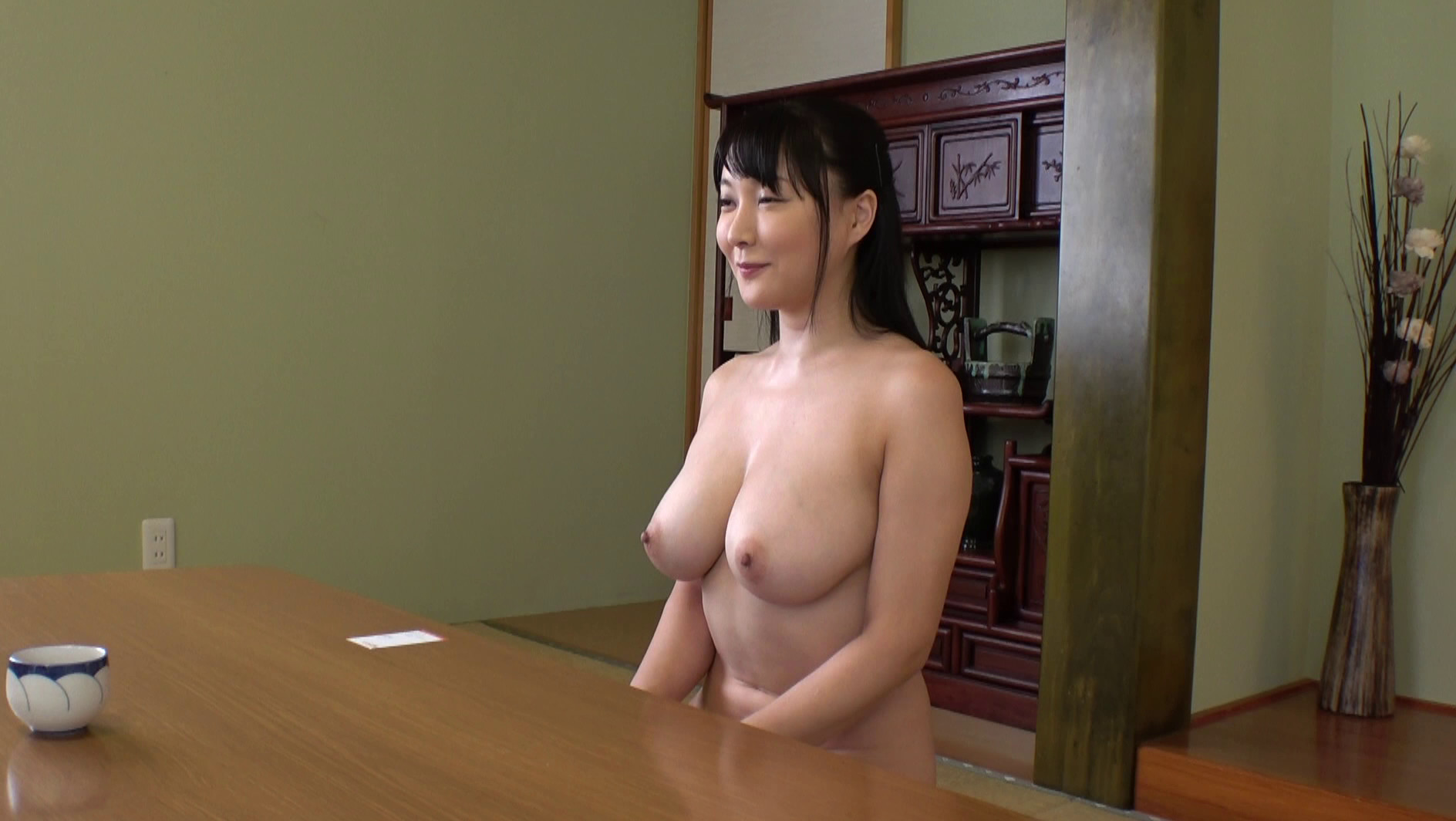 av はだかの主婦 無料サンプル画像 この動画のサンプル画像はクリックで拡大できます。