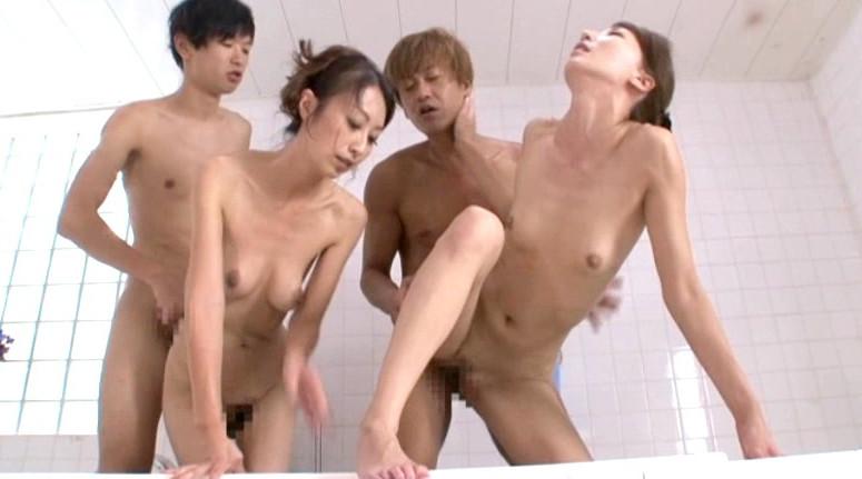 母子入浴乱交