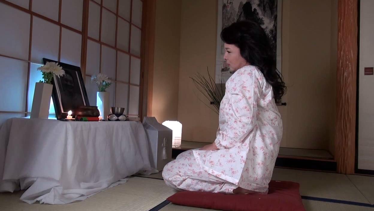 五十路義母響京香 無料サンプル画像 この動画のサンプル画像はクリックで拡大できます。