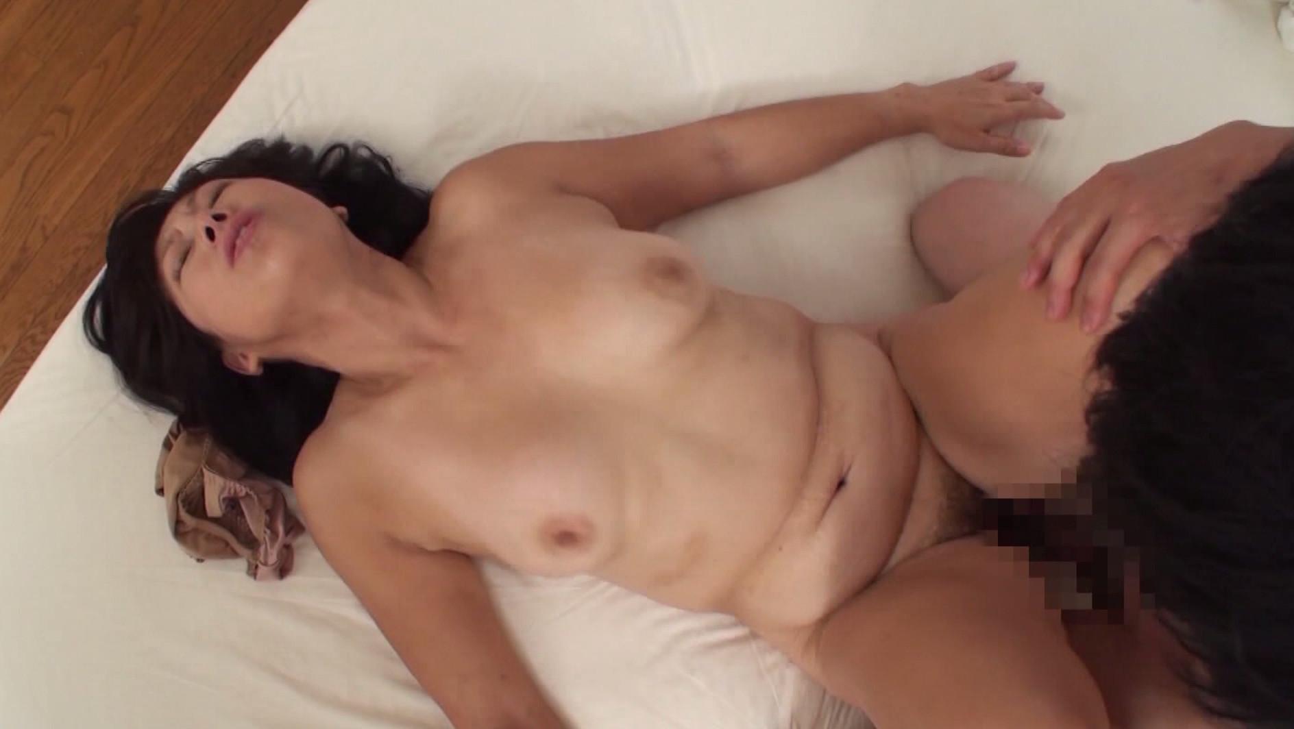 七十路熟女 無料サンプル画像 この動画のサンプル画像はクリックで拡大できます。