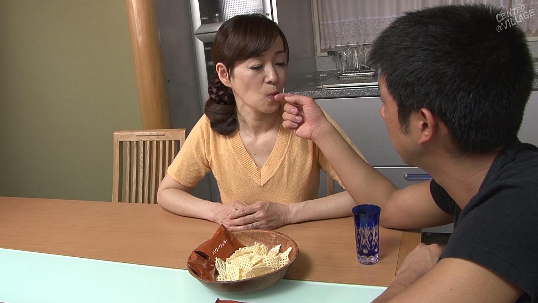 Японская мама учит сына, Японская мама учит - видео likes Hi-Hit 10 фотография